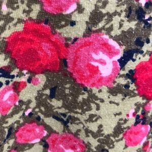 LuLaRoe Tops - Pink and red roses Tunic